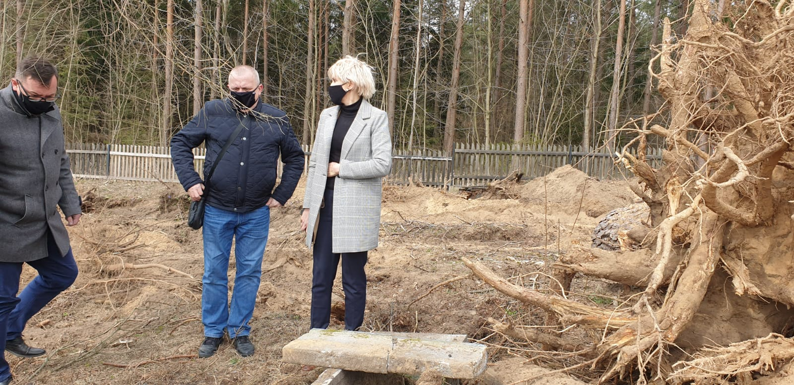 Zaorany cmentarz, czyli parafialne porządki po mazursku